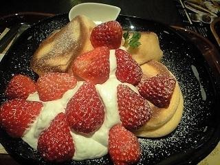 20200122イチゴ姫パンケーキ.JPG